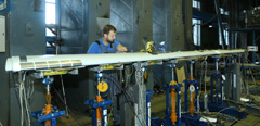 TsAGI holds strength tests of the Sukhoi Superjet 100 wing-flap system